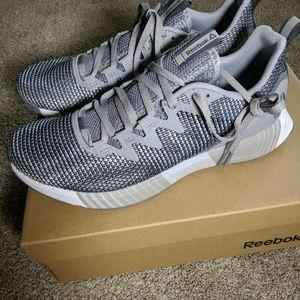 Women's Reebok Fusion Flexweave Running Shoe Sz 10
